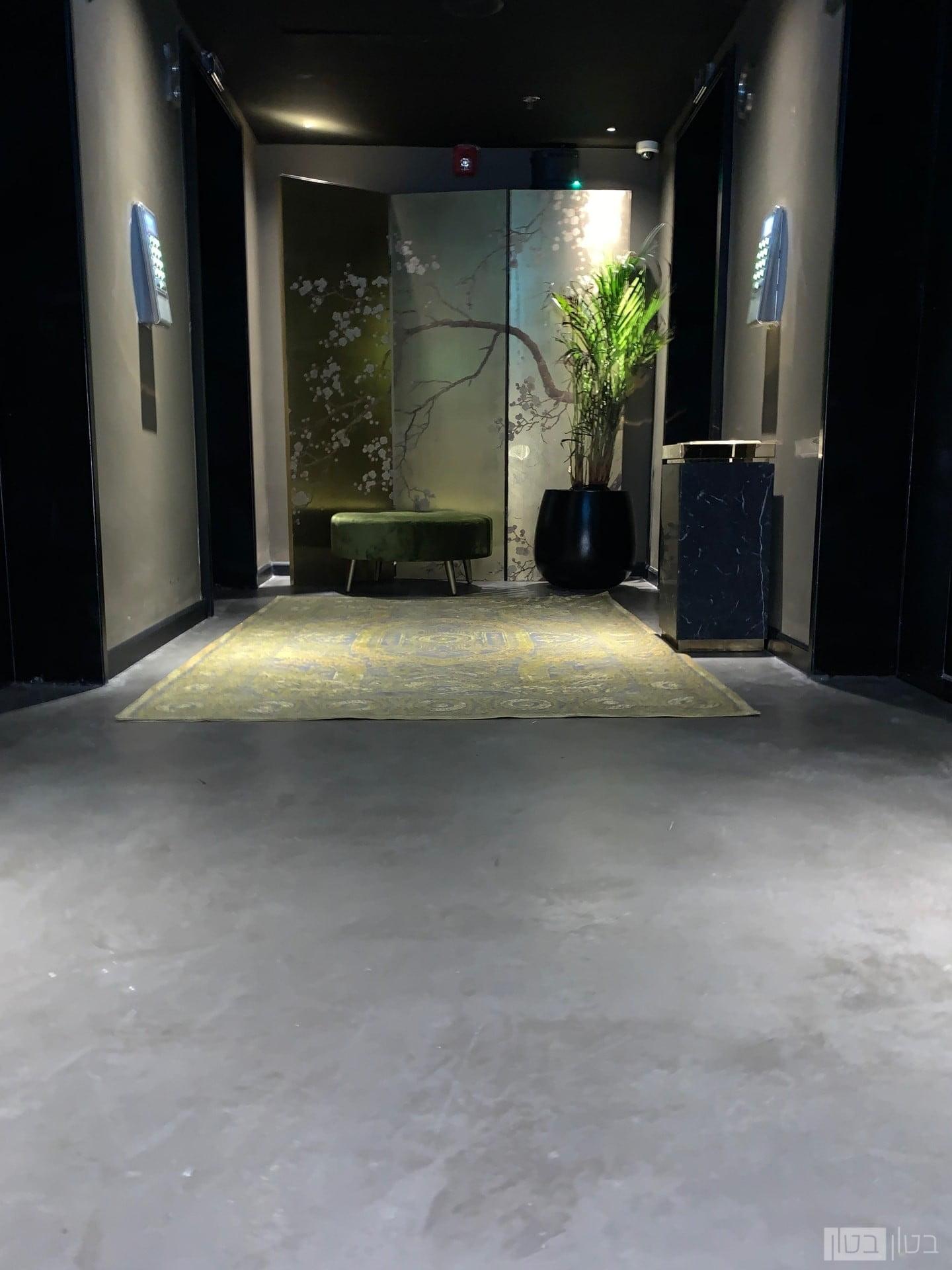 חיפוי רצפת בית מלון