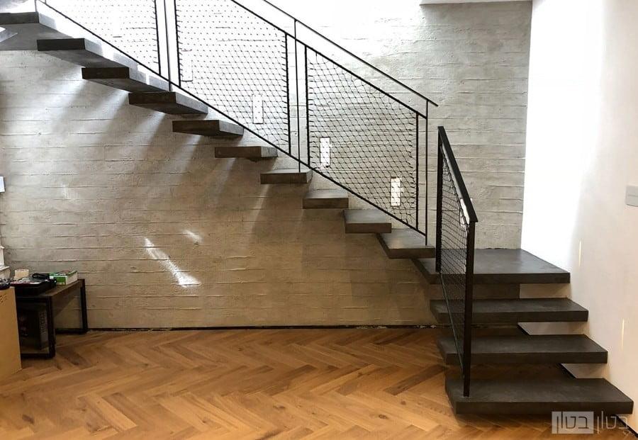 מדרגות מרחפות בחיפוי בטון