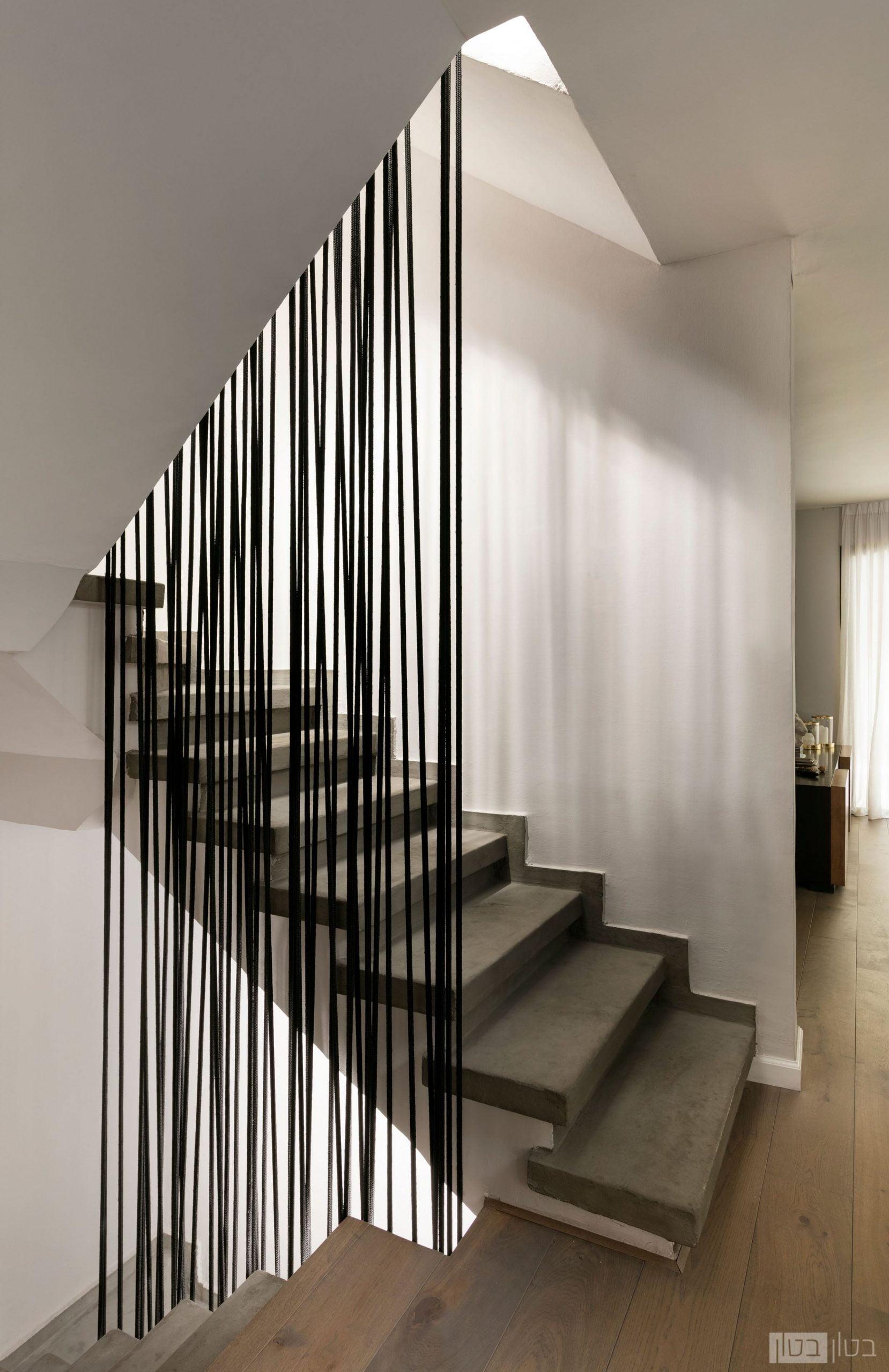 מדרגות בטון מודרניות בוילה