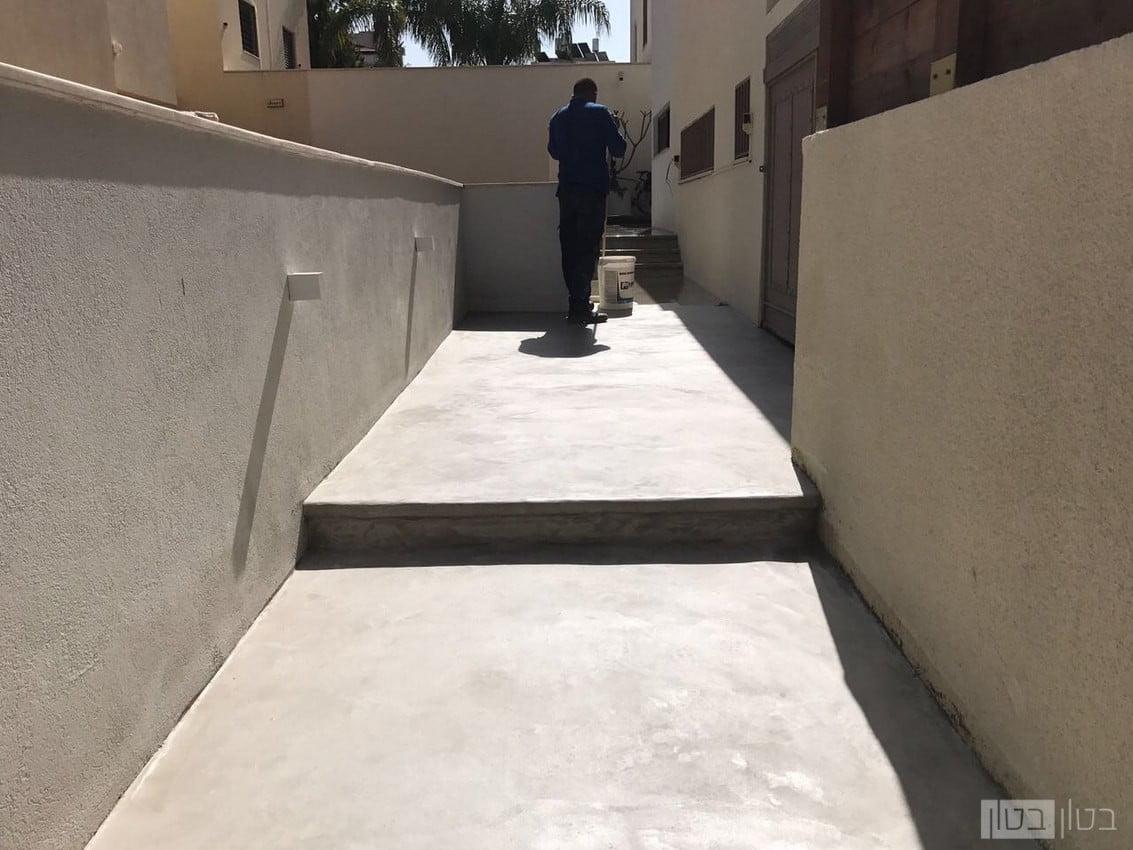 מדרגות בטון חיצוניות