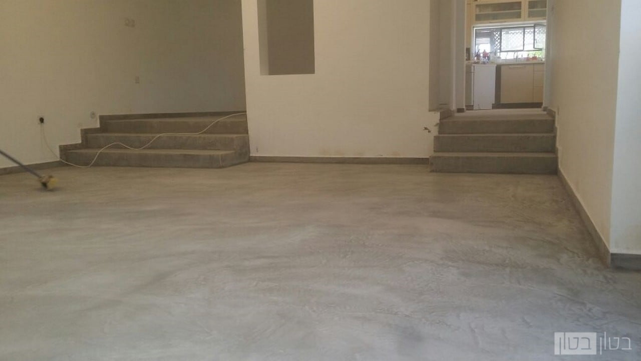 חיפוי רצפה ומדרגות בבטון