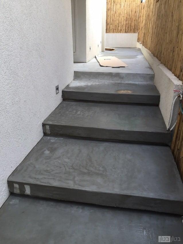 מדרגות חוץ מיקרוטופינג