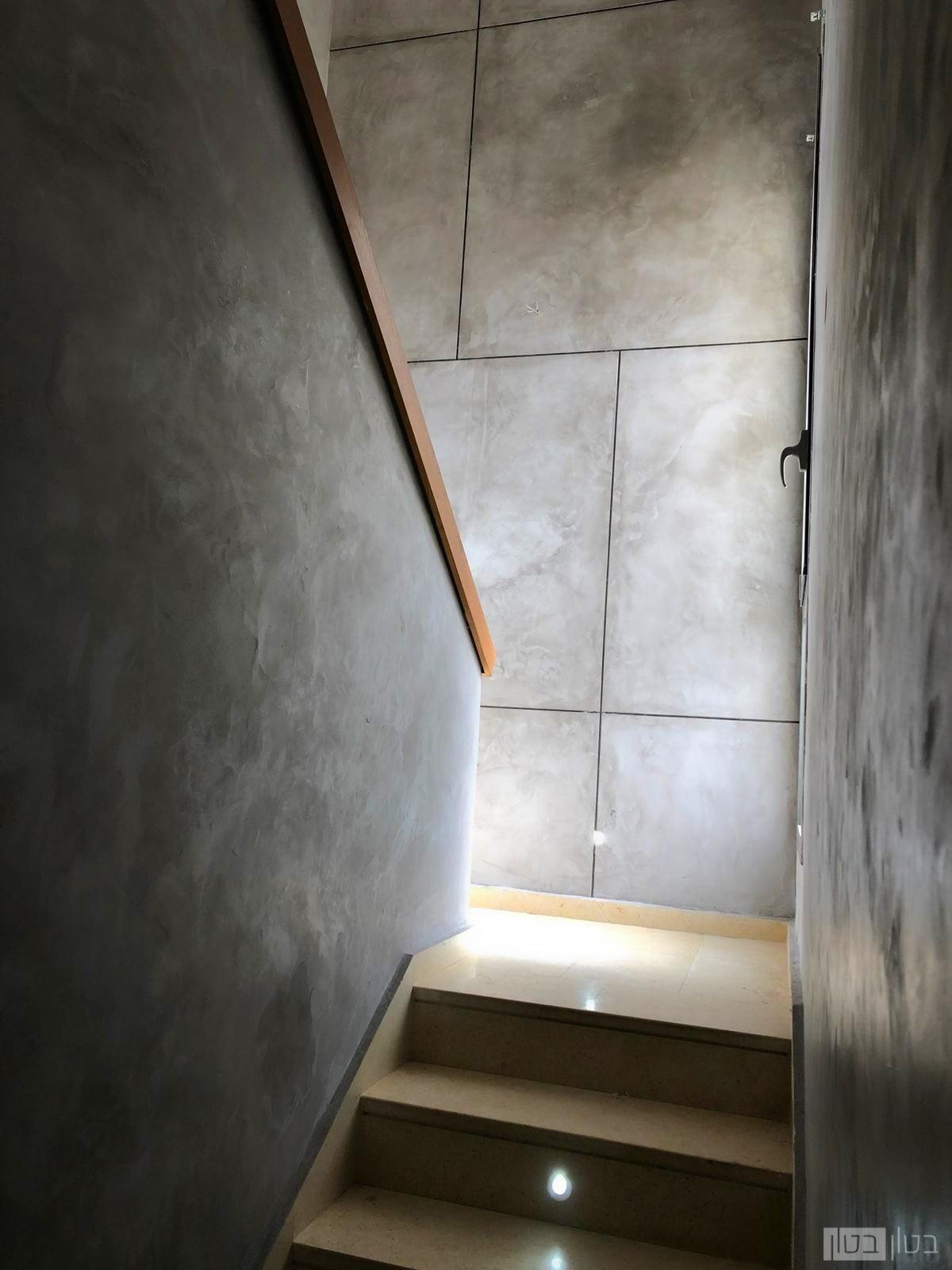 קירות בטון בחיפוי בטון