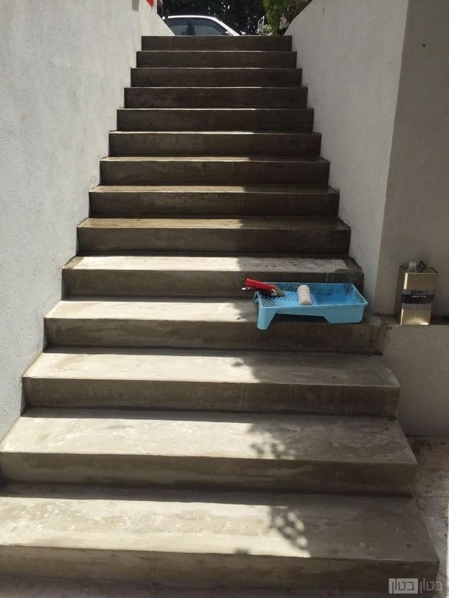 חיפוי סילר על מדרגות בטון