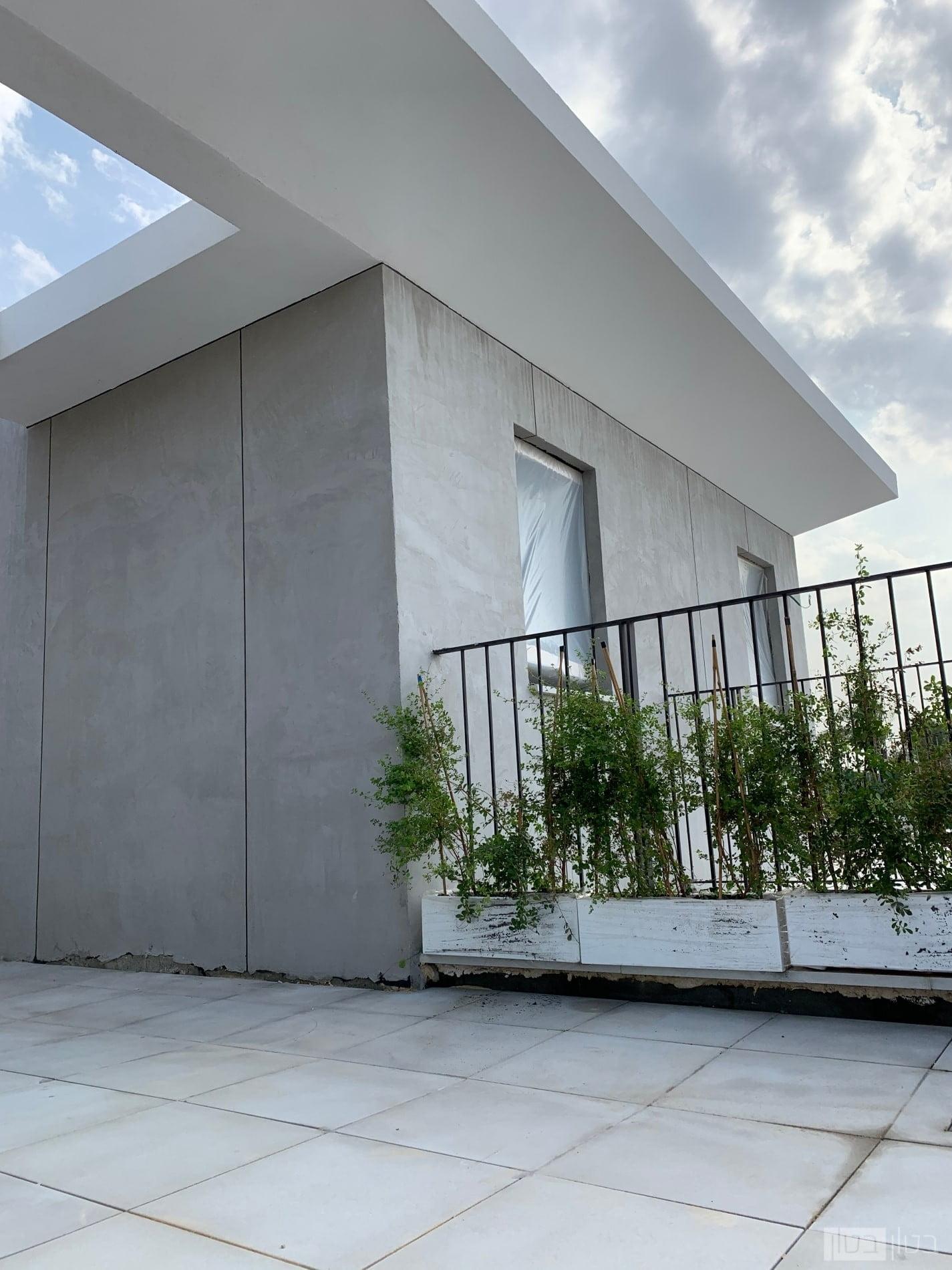 חיפוי בטון מוחלק קירות חוץ